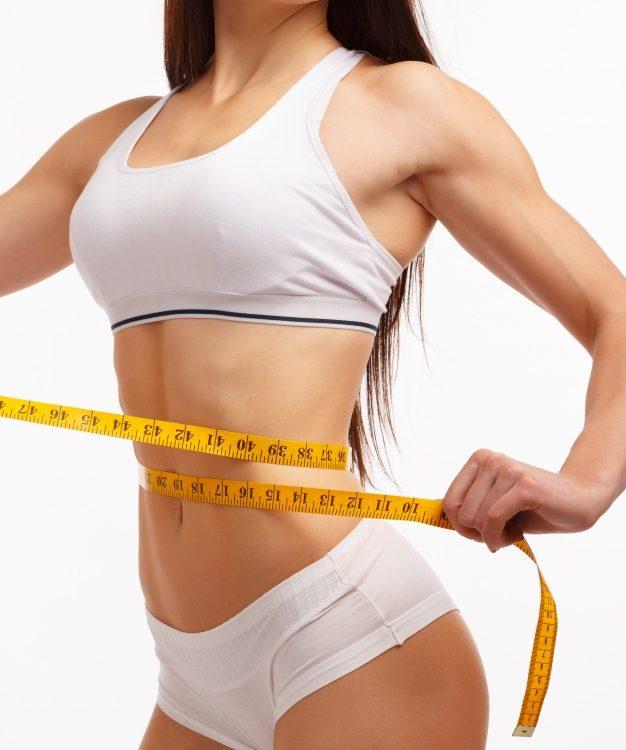 mulher-com-uma-cintura-fita-metrica-medir_1208-90